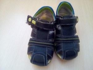 Обувь на мальчика размер 26-27 разной степени потрепанности