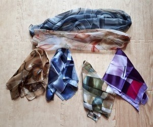 Отдам даром шарфы, шарфики, платочки, шапки, фигурки
